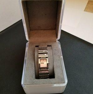 DKNY 3466 stainless steel & swaroski cryatsl watch